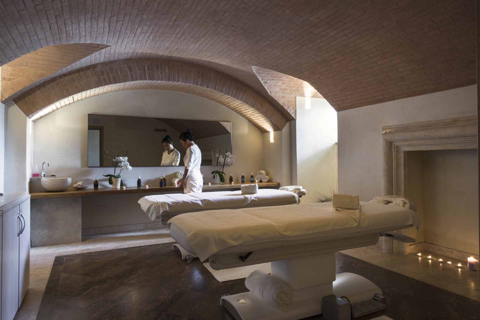 castello di velona resort, thermal spa & winery Montalcino 00003